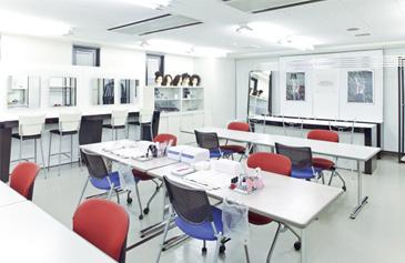 広島情報ビジネス専門学校画像